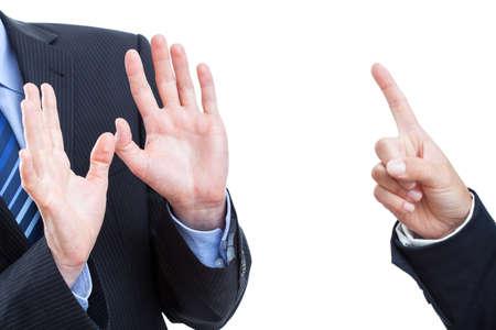 violence in the workplace: Empleador grita en su trabajo, aislado