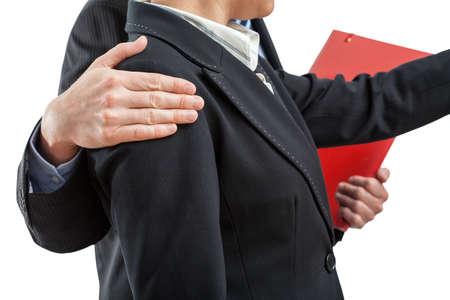 lenguaje corporal: La cooperación en el trabajo, jefe y empleado en el fondo aislado Foto de archivo