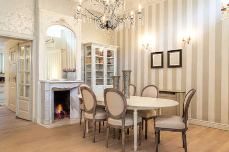 luxury house: Vintage mansion - a luxurious dining corner in a retro apartment