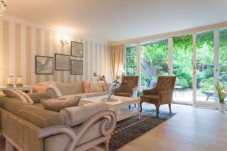 Vintage особняк - роскошный бежевый зона отдыха в резиденции