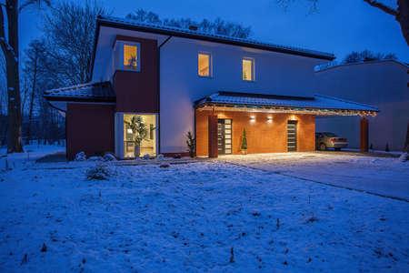 villas: Contemporary house in winter scenery