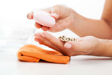 jewelry chain: The way of cleaning golden jewelry - soap and a water