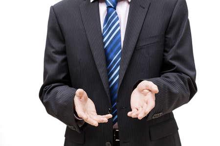 lenguaje corporal: Una persona de negocios haciendo un gesto alentador con sus manos