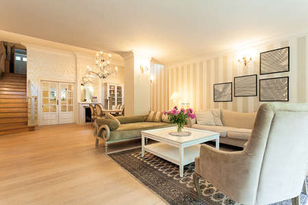 Vintage mansion - an old-fashioned stylish beige interior Stock Photo - 24368894