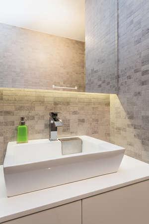 double sink: Urban apartment - Modern wash basin in small bathroom