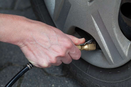 hubcap: Auto service including tyre pumping