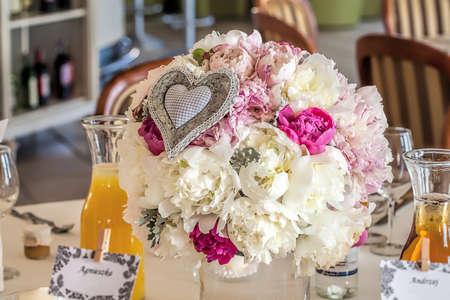flower bunch: Mediterranean interior - pastel flower bunch on a table