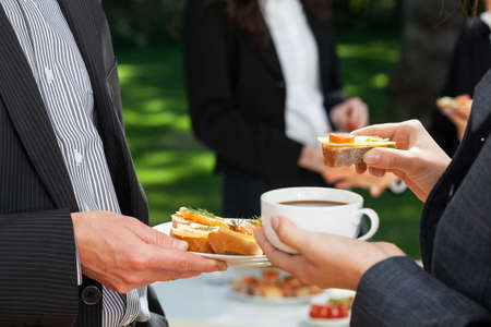 ufficio aziendale: Garden party integrazione a un moderno ufficio