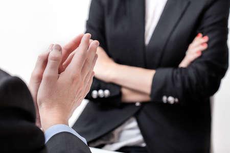 Berisping van ontevreden baas om een koppige werknemer