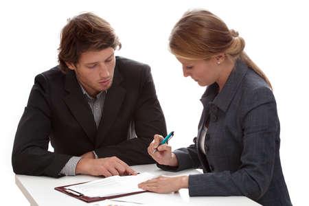 legal document: Joven empresaria de firmar un contrato con un tibur�n financiero