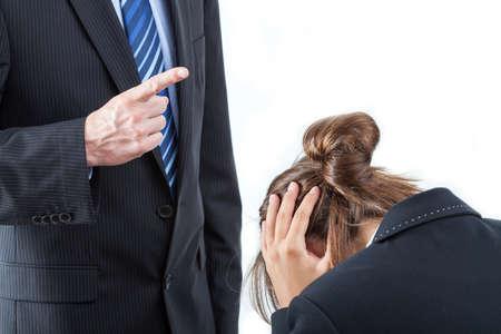 Boss dreigen met vinger zijn werknemer, geïsoleerde Stockfoto - 26889701