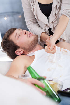 Alcoholic doesnt want to help his wife photo