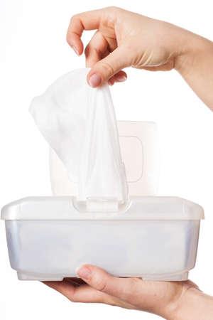 manos limpias: Gr�fico de la mujer blanca de toallitas h�medas de la caja de pl�stico
