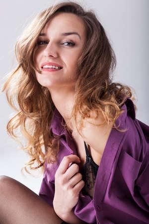 naked young women: Горячая, молодая женщина носить сексуальное нижнее белье, вертикальные Фото со стока