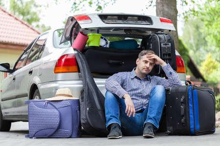 tourist vacation: Rompere in materiale di imballaggio per un viaggio