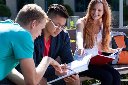 vysoká škola: Horizontální pohled na učení společně v létě