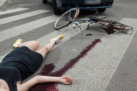 Töten Unfall auf dem Fußgängerüberweg, horizontal Standard-Bild - 32264594