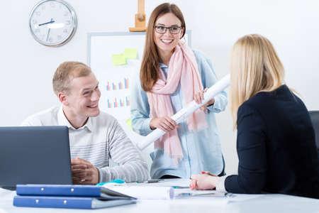 現代の職場で働く若い人たちの幸せ