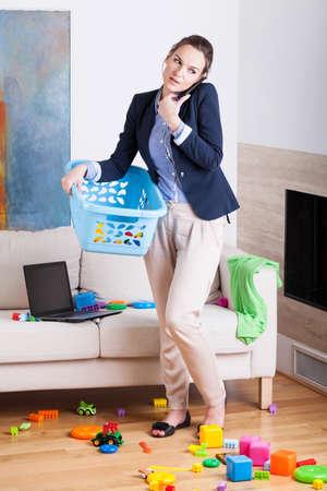 Omdat het een zakenvrouw en jonge huishoudster, verticale