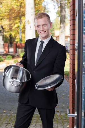 solicitor: Solicitor trying to sell the stainless pot