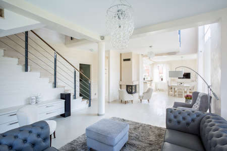 Spacious, bright interior of modern family house 스톡 콘텐츠