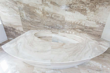 extravagancy: Extravagance design of great marble bathtub