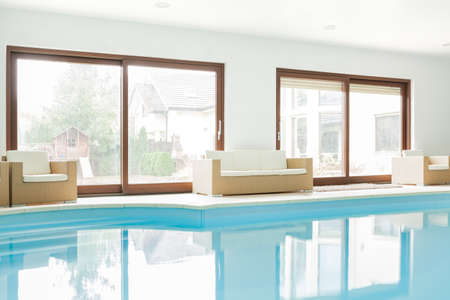 exclusive photo: View of modern house with swimming pool