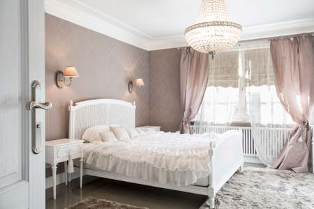home lighting: Ideal bedroom for woman in romantic style