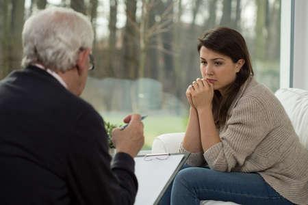 sessão: Adolescente triste que fala com seu psic