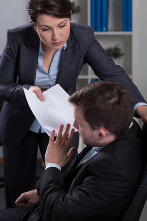 acoso laboral: Trabajador de ser v�ctima del terror psicol�gico en corporaci�n