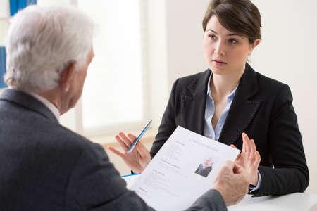 Personnes âgées homme élégant de sa rencontre de recrutement Banque d'images - 35979693