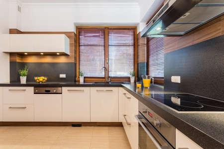 Photo de cuisine spacieuse avec du blé noir Banque d'images - 38335739
