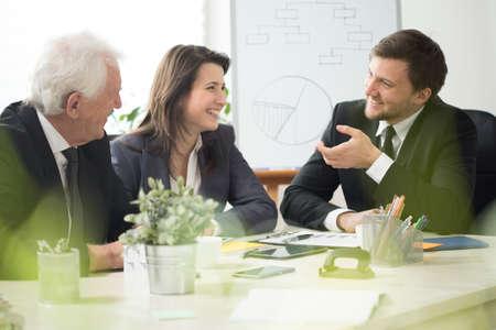 ビジネス会議中に快適な雰囲気のビュー