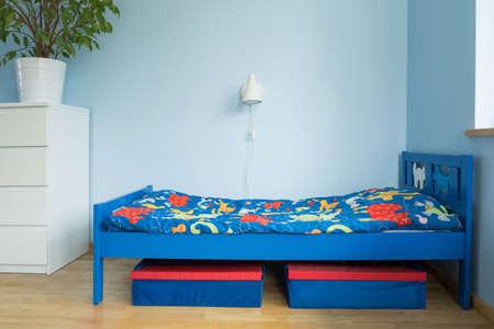青い部屋の絵に男の子のための理想的な設計 写真素材
