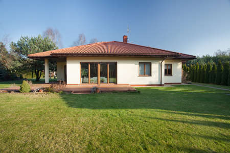 nice house: Beautiful parter bungalow with big garden