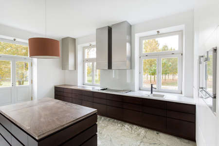 View of modern kitchen in new home Zdjęcie Seryjne