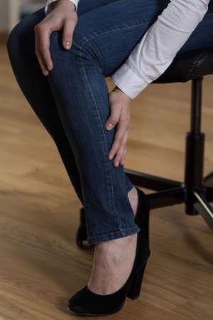 cramp: Acute cramp in calf at workplace
