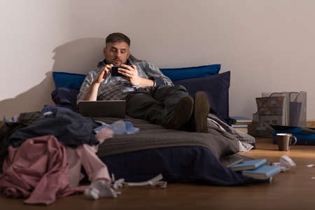 dirty old man: Bachelor is lazy and he doesnt clean up in apartament