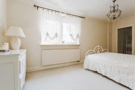 #41635820   Elegante Romantische Schlafzimmer Interieur In Pastellfarben