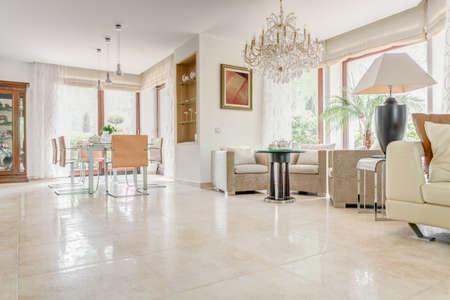 Interieur van elegante exclusieve villa - horizontale view Stockfoto