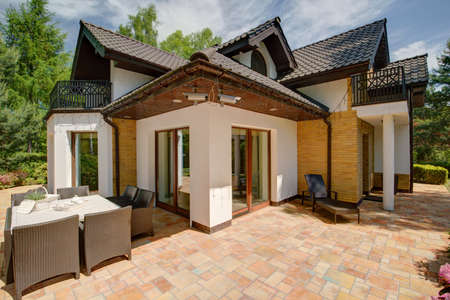 Beauty luxury detached house - view from outside Фото со стока