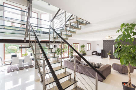 luxury house: Beauty modern interior ready to moving in Stock Photo
