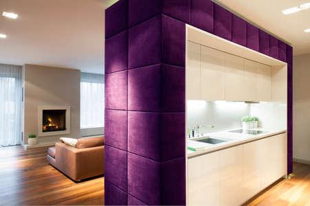 tabique: Sala de estar y cocina separados por partici�n