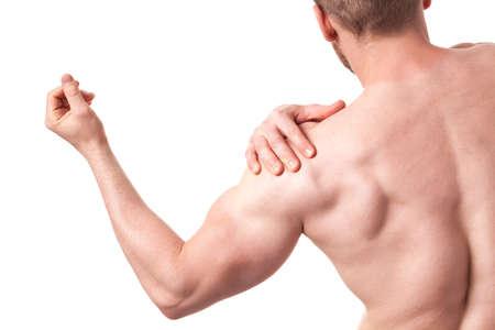 muscle training: Junge muskulöse Mann mit Schmerzen von der Schulter
