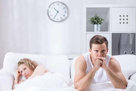sex: Изображение расстройство красивый мужчина после того, как утверждают, со своей подругой