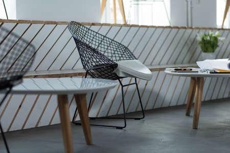 silla: Silla Diseñado y mesa en el restaurante moderno