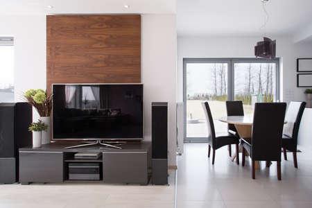 新しいテレビのある部屋の隅 写真素材