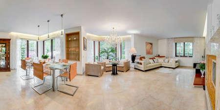 家の中で大きくて広々 とした場所 写真素材 - 43028817