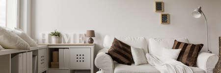 zona: Panorama de la zona de recreo en la elegante casa contempor�nea