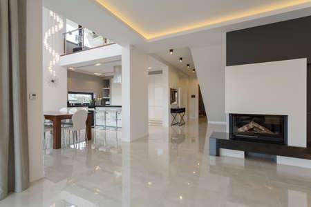 Contemporary designed interior in big expensive house Standard-Bild